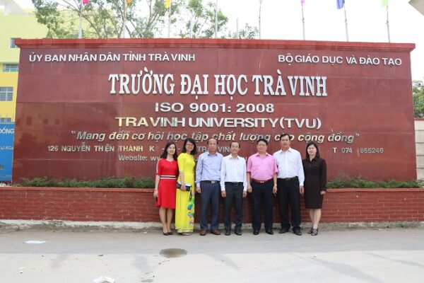 co-nen-lien-thong-dai-hoc-tai-truong-dai-hoc-tra-vinh